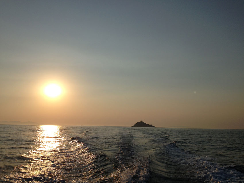Isola di Troia vicino a Roccamare