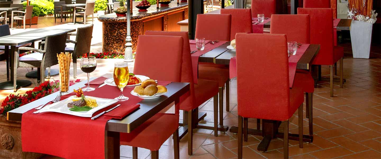 Tavoli del ristorante Riva del Sole